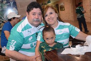 Juan José, Ana Camila y Paty