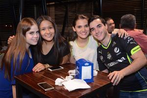 Karina, Ángeles, Carla y Alejandro