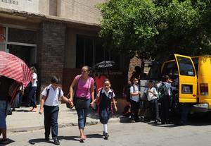 Los alumnos cumplieron con su primer día de actividades académicas.