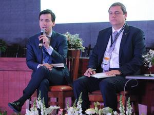 Rodrigo Alpízar Vallejo, presidente nacional de Canacintra mencionó que se puede hacer en México cuando hay una caída de los precios del petróleo, una depreciación de la moneda y una reducción de las tarifas eléctricas.