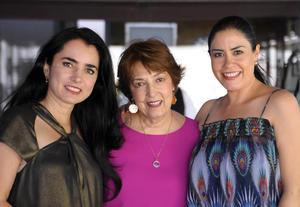 Angelina, María Elena y Mónica