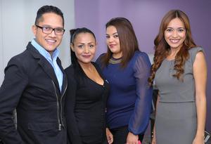 Edgar, Paola, Liliana y Valeria