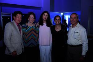 Víctor, Yeye, Sarita, Pecky y Ricardo