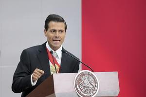 """Se refirió también a que durante este último año se señalaron casos de conflicto de interés, así como denuncias de corrupción que """"han generado indignación en la sociedad mexicana... que lastiman el ánimo y la confianza en las instituciones""""."""