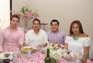 Gabriel, Arturo, Antonio y Azucena