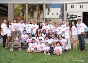 Ángela con sus hijos, nietos y bisnietos