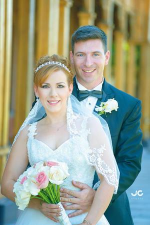 06092015 Rebeca Marín Metlich y Raúl Souto se unieron en matrimonio el 29 de agosto de 2015. Estuvieron presentes sus padres, los señores: Raúl Marín de la Rosa y Rebeca Metlich de Marín; Raúl Souto y Noemí Gímenez.- JC Studio