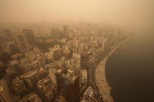 La sorprendente tormenta de arena ha dejado al menos 750 personas hospitalizadas.