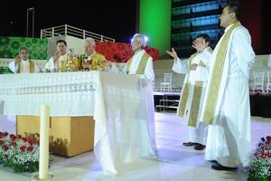Asimismo, el obispo citó algunos puntos de la carta encíclica emitida por el Papa Francisco, el pasado 24 de mayo, en la que habla sobre la ecología humana.