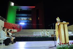 El obispo felicitó a las autoridades y los fieles, a quienes exhortó a convivir en paz y a cuidar de la ciudad como una gran familia.