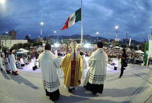 La misa fue presidida por el obispo de Torreón, José Guadalupe Galván Galindo.