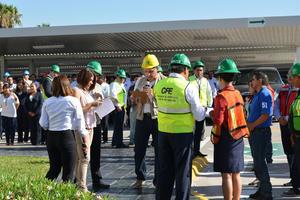 Las Comisión Federal de Electricidad, evacuó en dos minutos a más de 340 personas en el Parque Industrial.