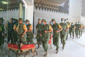 En la Presidencia de Torreón participaron decenas de elementos de la Sedena.