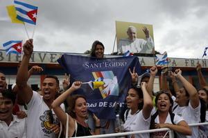 El pueblo cubano se mostró inmediatamente afectivo con Francisco.