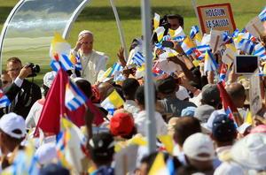 El Papa Francisco realiza una histórica visita a Cuba.