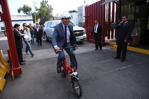 A nivel nacional, políticos también se unieron a este reto, como el líder priista César Camacho.