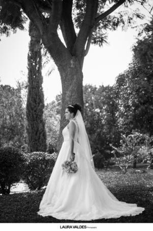 20092015 Edith, captada en una fotografía de estudio el día de su boda.- Laura Valdés Fotografía