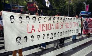 El 26 de septiembre de 2014 desaparecieron 43 estudiantes normalistas de Ayotzinapa. La herida sigue abierta.