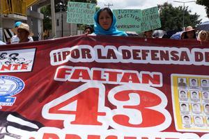 En las principales ciudades de varios países, habitantes salieron a las calles para exigir justicia por los 43 estudiantes desaparecidos de Ayotzinapa.