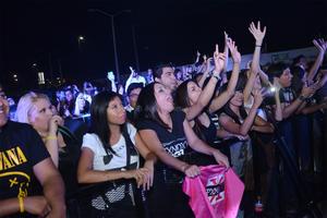 Fanáticos laguneros disfrutaron los éxitos de la agrupación.