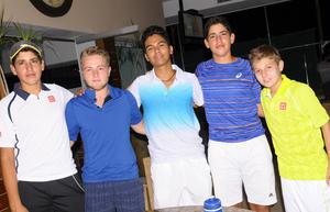 02102015 Emiliano, Ricardo, Rodrigo, Esteban y Miguel.