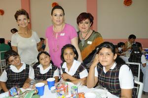02102015 Karime, Cristina, Noelia, Simonet, Imelda, Cristina y Dayana.