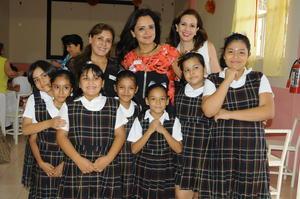 02102015 Dayana, Mariel, Coral, Lizeth, Noelia, Fanny, María Ángeles, Clarisa, Paty y Mireya.