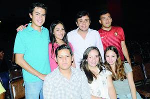 02102015 EN UNA CONFERENCIA.  Osvaldo, Natalia, Jorge, José Luis, Ariel, Marcela y Cris.