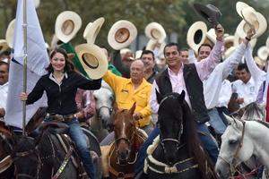"""En su primer día como gobernador, Jaime Rodríguez destapó la deuda real de Nuevo León, al asegurar que le dejaron un """"agujerón"""" que ronda los 100 mil millones de pesos (mdp)."""