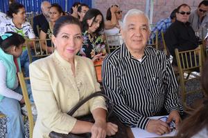 09102015 Cecilia Reyes y Eduardo Flores.