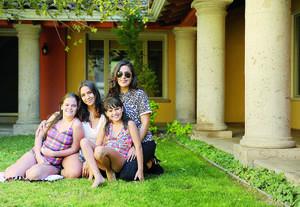 FELIZ CUMPLEAÑOS. Maryjose Ramírez Martínez acompañada de sus primas: Luisa, Daniela y Fernanda, en su fiesta de cumpleaños.
