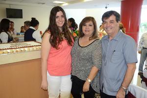 Paola, Leticia y Luis.