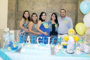 14102015 FIESTA PRENATAL.  Pamela Arratia Romero en el baby shower que le organizaron por el nacimiento, a finales de este mes, de su bebé, al que llamará Marcelo.