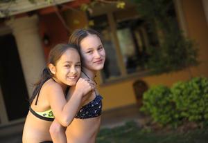 Ximena y Regina