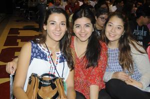 Laura, Nayeli y Rebeca.