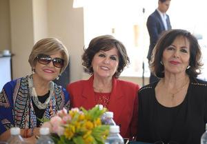 Alicia, Momis y Martha