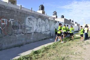 La pinta de bardas grafiteadas que se encontraban contiguas a la plaza fue otra solicitud de la ciudadanía dentro de Laguna Yo Te Quiero Renovada.