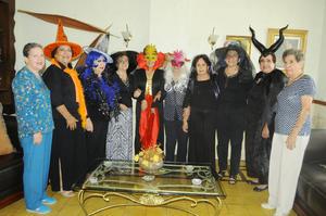 20102015 EXCOMPAÑERAS SE REÚNEN.  Reunión de Halloween de extrabajadoras del Banco Internacional. Ellas son: Dalis, Gloria, Lety, Armandina, Jesu, Marina, Raquel, Rosy, Cristy y Lichita.
