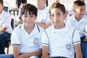 21102015 EN EL COLE.  Sebastián y Sebastián.
