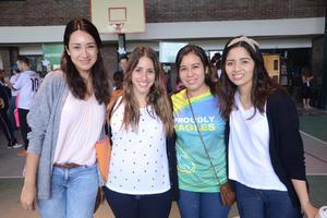 21102015 AMIGAS.  Sara, Karla, Laura y Karen.