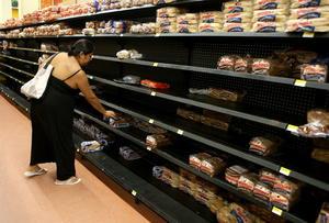 Compras de pánico se registraron en algunos comercios de Jalisco.
