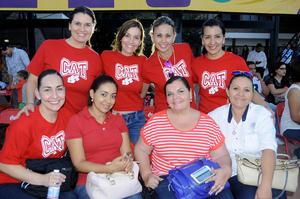 Monse, Rocío, Lore, Raquel, Mimi, Dunia, Yola y Mara.