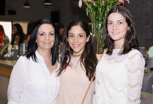 EN RECIENTE EVENTO. Luisa, Sofía y Maru
