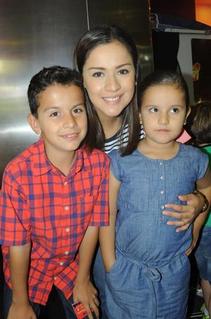 Luciano, Salma e Isabel.