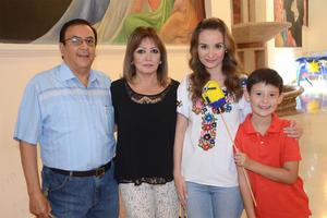 25102015 Antonio, Patricia, Joanna y Andrés.