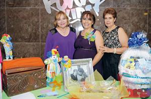 25102015 BABY SHOWER.  Gloria Isela Rodríguez López con Yolanda de Simental y Aurora López.