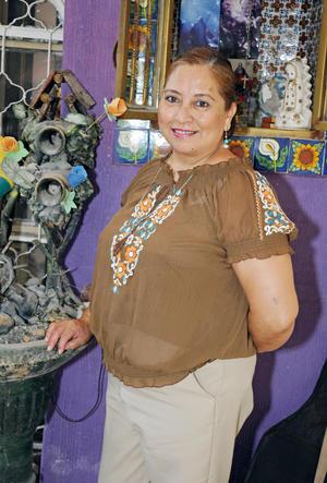 25102015 FELIZ CUMPLEAñOS.  Delia Martha Sotomayor García.
