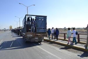 Se movilizaron en marchas por la región.