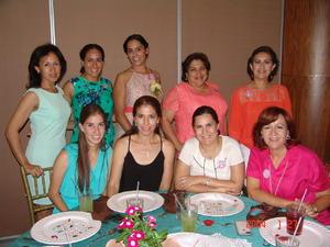 27102015 FIESTA DE DESPEDIDA.  Ana Lucía con Paty, Silvia, Irene, Mayra, Gabriela G., Gabriela R., Silvia y Clara.