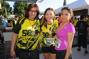 27102015 Marisela, Thalía e Itza.